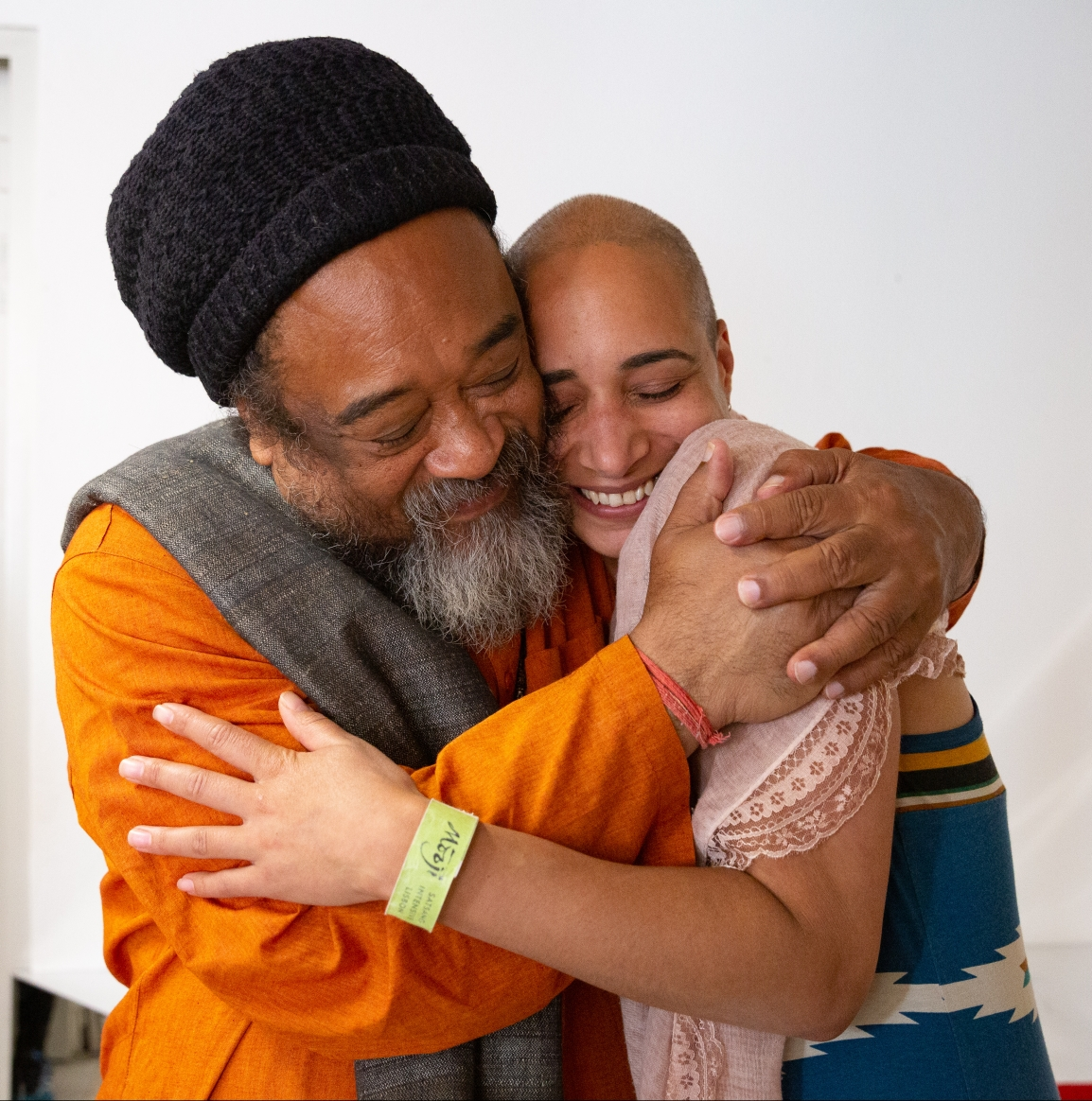 Mooji 5-Day Satsang Intensive, Portugal – Sitting with Masters
